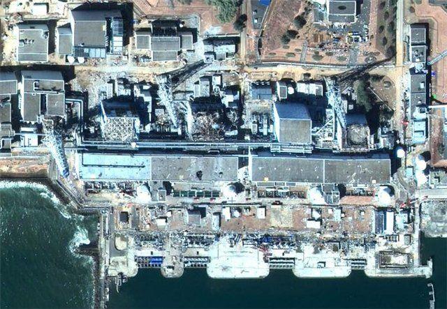 Фукусима из космоса до и после.